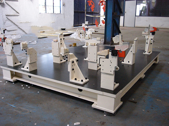 Machining Jigs And Fixtures : Royal engineers cnc machining services